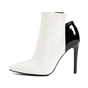 KENDALL + KYLIE Ariana Two-Tone Pointed Bootie 8.5